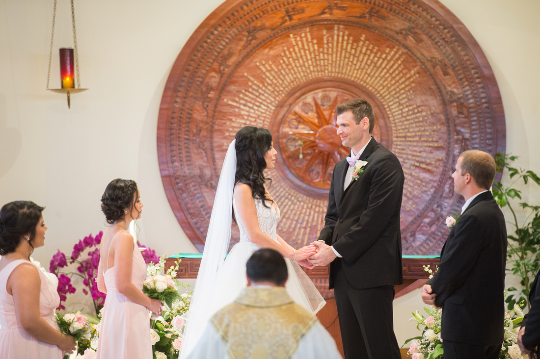 Leah Langley Photography- Orlando wedding photographer – Orlando multicultural wedding photography – Orlando wedding – central Florida wedding photography – Rosen Shingle Creek Wedding -exchanging vow