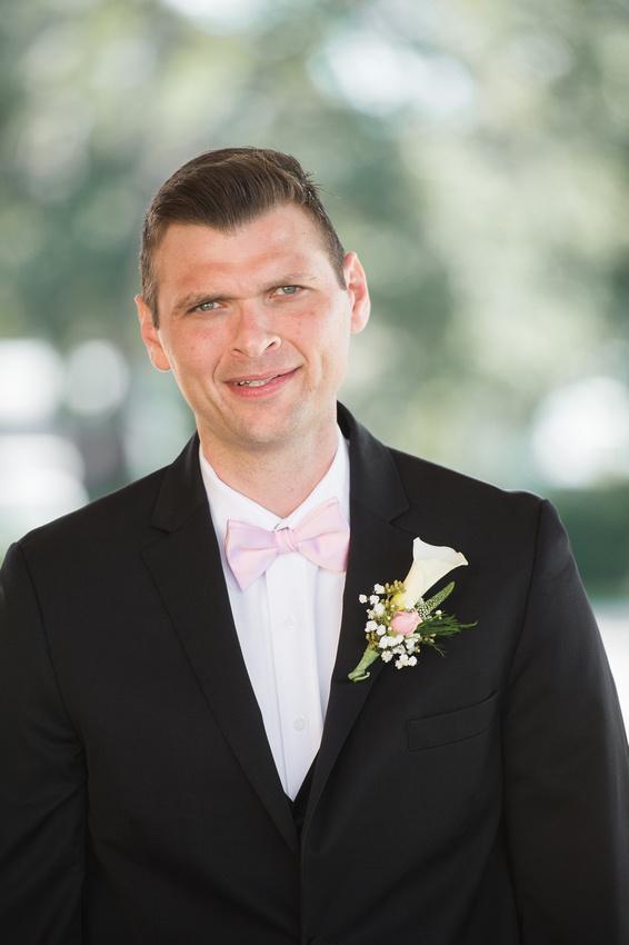 Leah Langley Photography- Orlando wedding photographer – Orlando multicultural wedding photography – Orlando wedding – central Florida wedding photography – Rosen Shingle Creek Wedding -groom