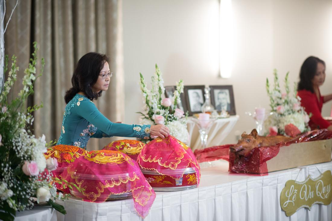 Leah Langley Photography- Orlando wedding photographer – Orlando multicultural wedding photography- Vietnamese Tea Ceremony – Orlando wedding – central Florida wedding photography – Rosen Shingle Cree