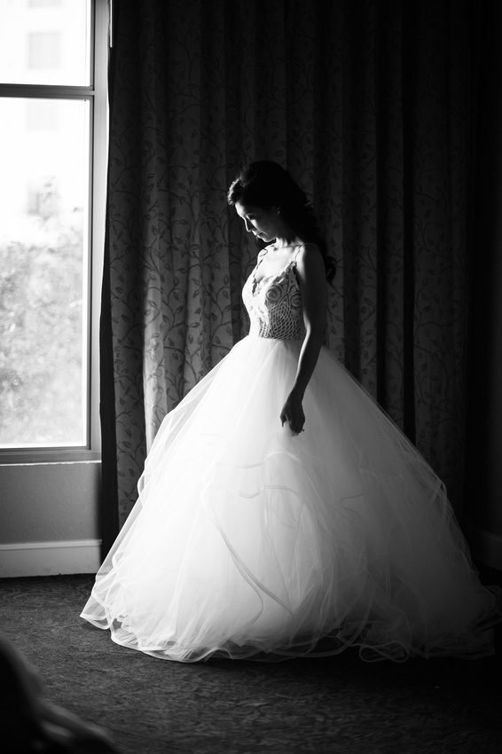 Leah Langley Photography- Orlando wedding photographer – Orlando multicultural wedding photography – Orlando wedding – central Florida wedding photography – Rosen Shingle Creek Wedding -bride at windo