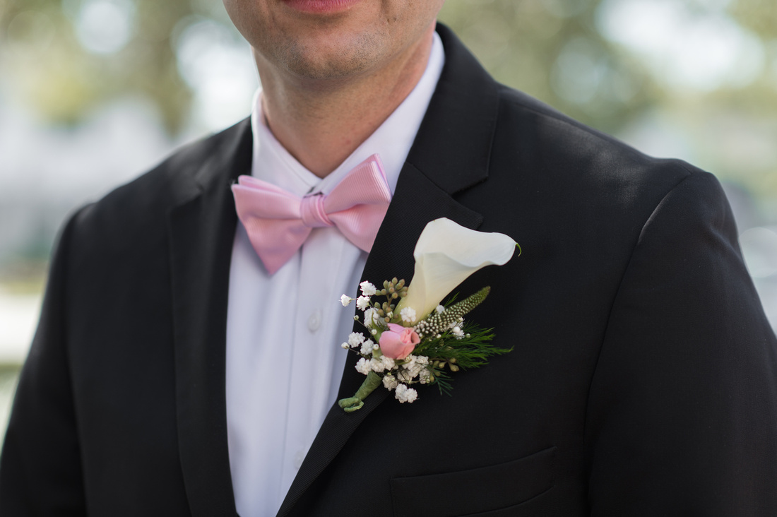 Leah Langley Photography- Orlando wedding photographer – Orlando multicultural wedding photography – Orlando wedding – central Florida wedding photography – Rosen Shingle Creek Wedding -groom in pink